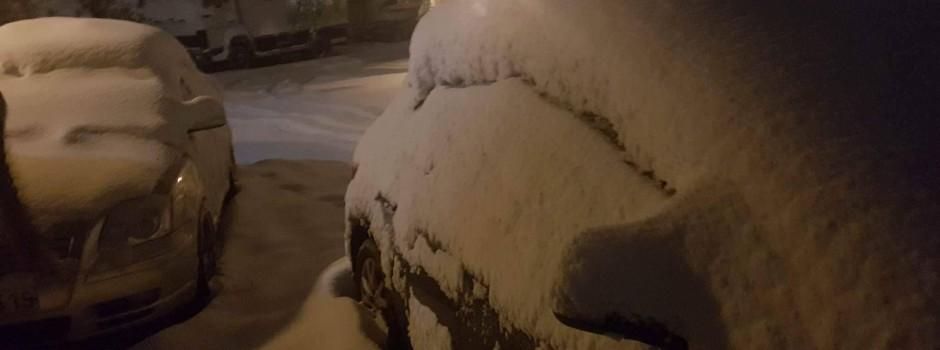 Πυκνές χιονοπτώσεις στα προάστια Θεσσαλονίκης απο Δευτέρα