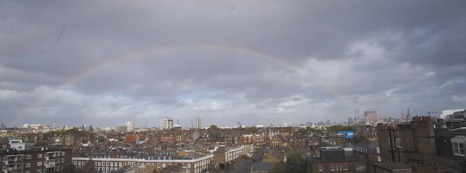 Rainbow timelpase in London (video)