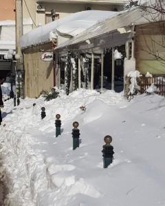 Πρωί του Σαββάτου με το χιόνι να ξεπερνά τοπικά το μισό μέτρο